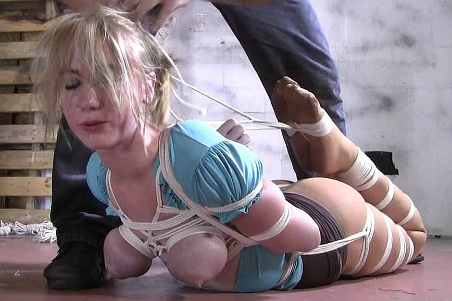Buxom girls in tight rope bondage